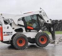 Earthmoving-Equipment--SKIDSTEER-PC-4